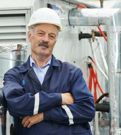 compresor: Adulto mayor electricista trabajador ingeniero