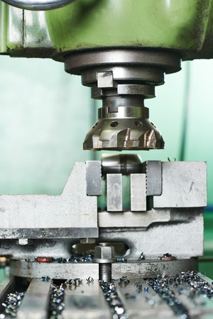 industrial metal machining cutting process of blank detail by milling cutter with hardmetal carbide insert Imagens