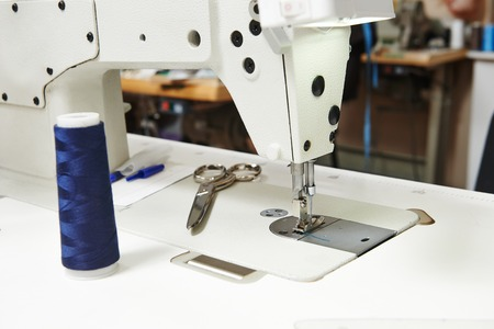 stitchwork: Tailor or sewing set with thread, scissors and machine