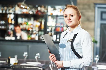 chef-kok dating serveerster zijn Tsjaad en Angie dating