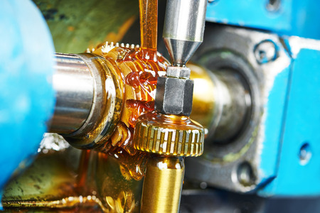 machining: metalworking industry: tooth gear wheel machining by hob cutter mill tool