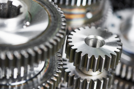 siderurgia: primer plano ruedas dentadas de metal engranajes Foto de archivo