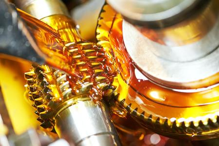 금속 가공 산업. 호브 커터 밀 도구로 치아 기어 톱니 바퀴 가공