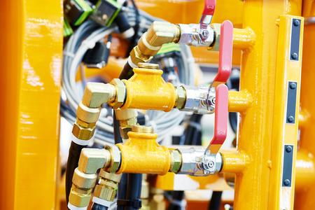 componentes: tubos de presión hidráulicos y accesorios de conexión de la maquinaria de construcción o el sistema de equipos industriales