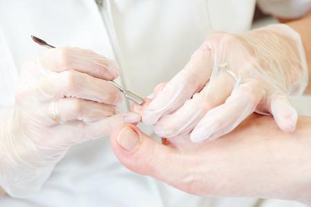 master: Pedicure in beauty salon