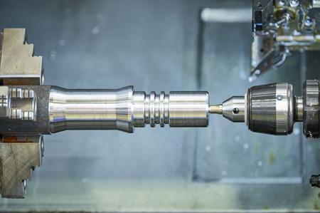 CNC lather machine. cutting tool at metal working Archivio Fotografico