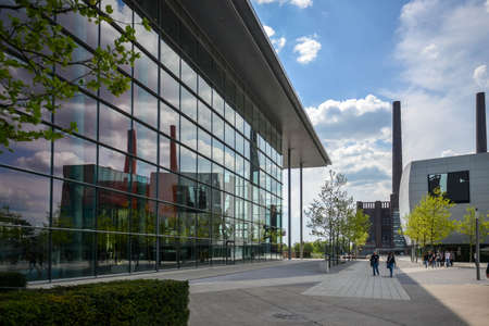 Wolfsburg with the Autostadt Museum. WOLFSBURG, GERMANY. May 19, 2016 新聞圖片