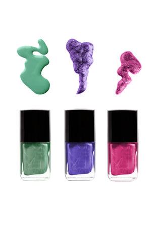 색상 유출 녹색, 보라색, 보라색 또는 분홍색으로 폴란드어 병 네일