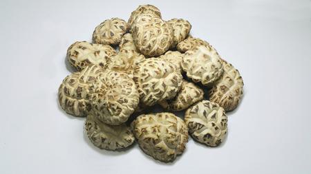 shitake: dried shitake mushroom