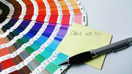 written note on top of pantone chart Stock Photo