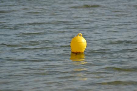 wasser: Boje im Wasser