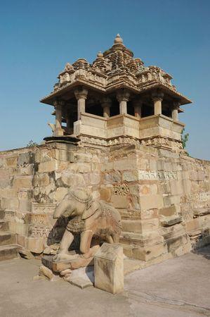 khajuraho: Templo de Nandi (Toro) en Khajuraho, famoso lugar sagrado hind� Foto de archivo