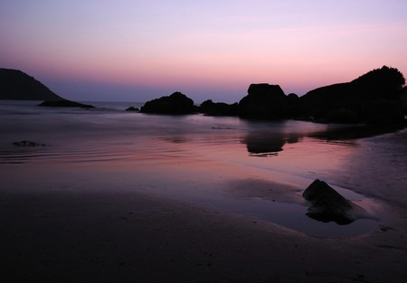 Sunrise at the Indian ocean coast Stock Photo - 8132062