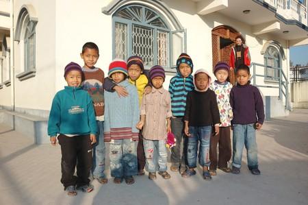 wees: Katrhmandu, Nepal, januari 3,2009 - wees huis in Kathmandu, honderden kinderen verlaten op de straten zijn slacht offers van armoede of ziekte 3 januari 2009 in Kathmandu, Nepal