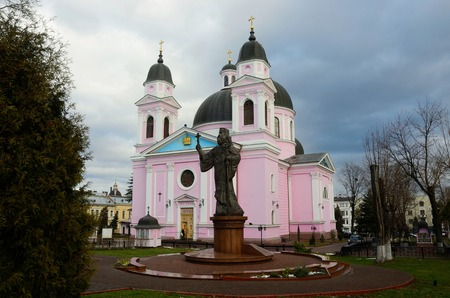 chernivtsi: CHERNIVTSI, UKRAINE - DECEMBER 1, 2015: Cathedral of Holy Spirit with monument to first Metropolitan of Bukovyna and Dalmatia Eugene Hakman.He was orthodox bishop of Bukovyna from 1834 to 1873