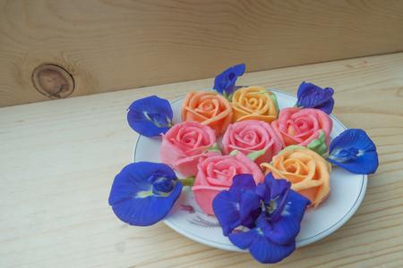 palatable: Thai rose Aalaw dessert and Pea flowers