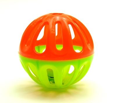 non toxic: Sonajeros de colores para beb�s, Bolas de campanas en el fondo blanco
