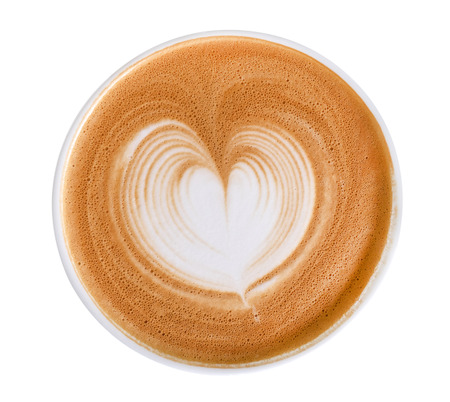 Hoogste mening van het hete die schuim van de het hartvorm van de koffiecappuccino latte kunst op witte achtergrond, het knippen inbegrepen weg wordt geïsoleerd