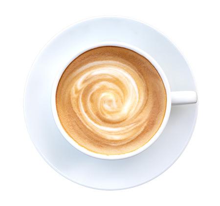 Bovenaanzicht van hete koffie latte cappuccino spiraal schuim geïsoleerd op een witte achtergrond, inbegrepen clipping path Stockfoto