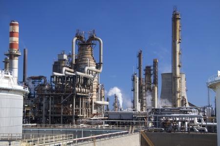 refiner�a de petr�leo: Refiner�a de petr�leo en Milazzo, Scicily en Italia