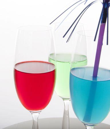 Cócteles de colores rojo, verde y azul con decoración festiva Foto de archivo - 5497559