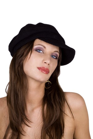 arrogancia: Mujer Morena, vistiendo un negro francés boina