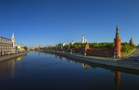 Moscow Kremlin at dawn Kremlin Embankment Фото со стока - 40307704