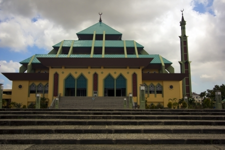 Masjid Raya Batam金字塔清真寺,蝙蝠岛岛,印度尼西亚