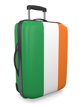 bandera de irlanda: Ireland vacation destination concept of a flag painted travel suitcase
