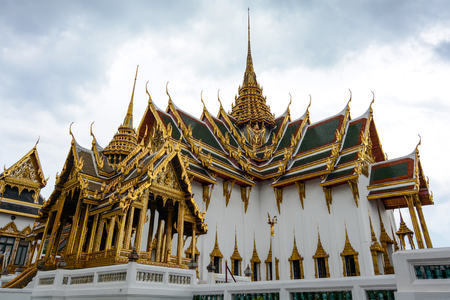 maha: Grand Palace Phra Thinang Dusit Maha Prasat throne hall and pavilion in Bangkok, Thailand
