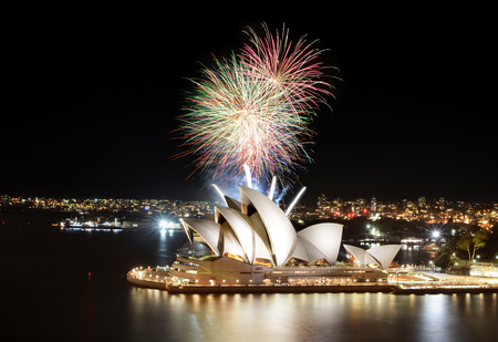 SYDNEY, AUSTRALIA - MARCH 8, 2018 - Brilliant Sydney fireworks show finale over the Opera House at night Sajtókép