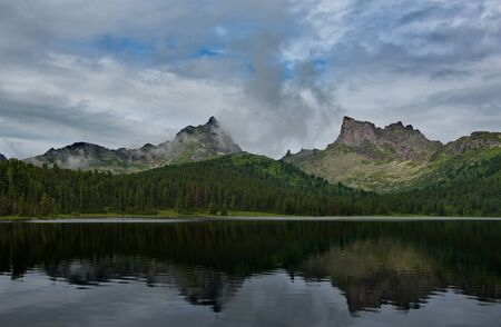 Russia. Western Sayan mountains, South of Krasnoyarsk territory. Lake Light in the natural Park Ergaki (translated from Turkic - Fingers). Stockfoto