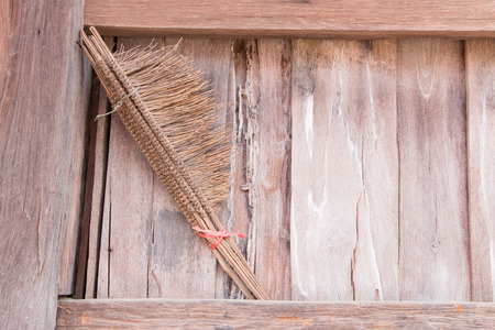 sift: Wood of old barn and swab rice
