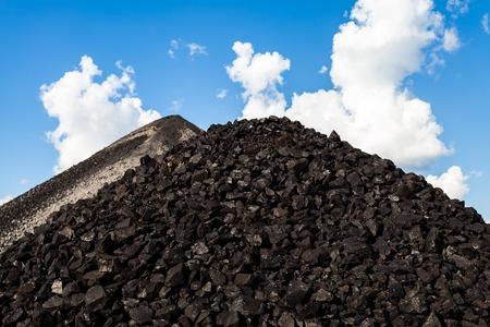 Coal mine - Electricity - Lignite Coal - Coal mine industry in Thailand