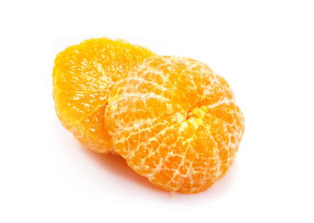 naranja fruta: Fruto de color naranja sobre fondo blanco