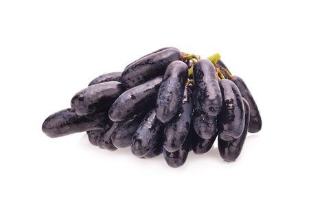 sapphire: las uvas de zafiro negro dulces en el fondo blanco
