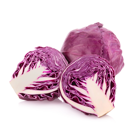 red cabbage isolated on white. Foto de archivo