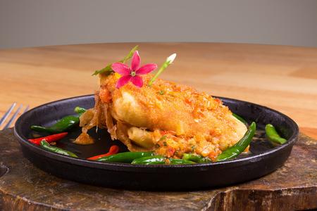 coliflor: Deep Fried Tofu con salsa de salsa