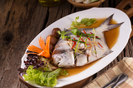 Witte Pomfret-stoomvis, Chinees voedsel.