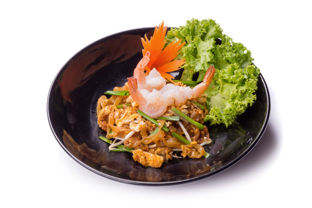 cebollines: Fried noodle Thai style with prawns Stir fry noodles with shrimp in Pad Thai Thai noodle style Traditional food