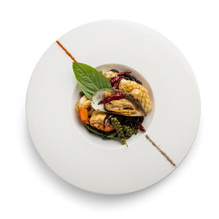 스파게티 매운 해물, 새우, 게, 생선, 오징어.