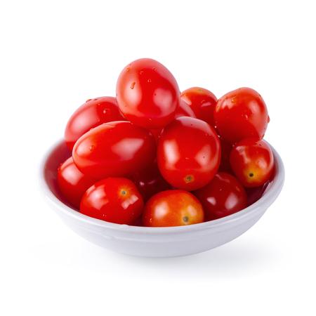 Rote reife Tomaten isoliert auf weißem Hintergrund