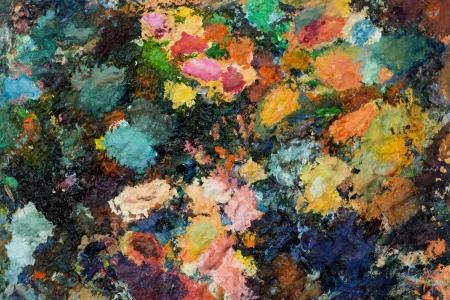 pallette: peinture palette avec beaucoup de couleurs