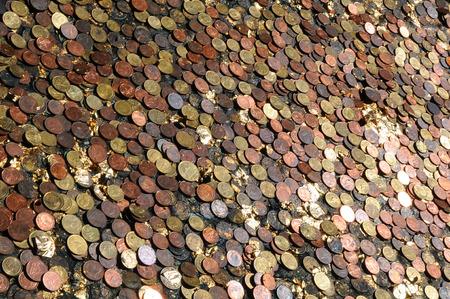 m�nzenwerfen: Geld Lizenzfreie Bilder