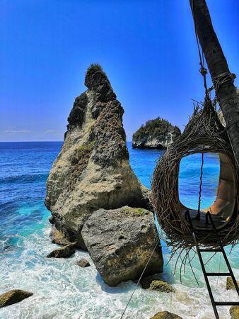A Nest on Diamond beach, Nusa penida, Bali, Indonesia Banque d'images