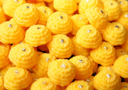 Thai native ancient dessert called  Thong Ek , Difficultly to find and buy in the market