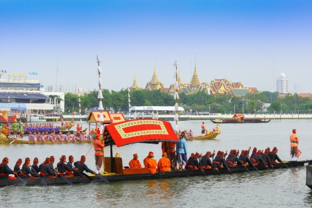 BANGKOK,THAILAND-NOVEMBER 2: The plenty of ships was set for dress rehearsal of the Royal Barge Procession for the Royal Kathin Ceremony at Chaopraya river on November 2,2012 in Bangkok,Thailand Stock Photo - 16205954