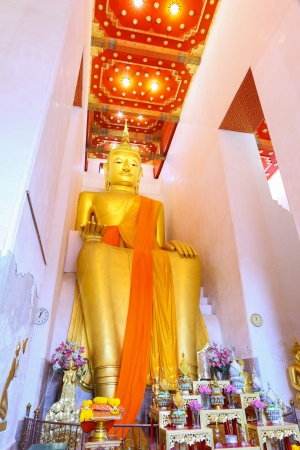 SUPHANBURI,THAILAND - OCTOBER 21: The ancient Buddha over 1,000 years is the most famous place for Thai people to visit and worship at Pa La Lai temple on October 21,2012 in Suphanburi,Thailand