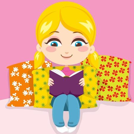 Carina bambina bionda sorridente leggendo un libro molto interessante, seduto in cuscini