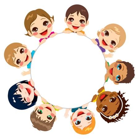 Multiétnico grupo de niños tomados de una ronda cartel blanco